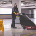 EPIs para serviços de limpeza de condomínios: Quais são e qual a importância?