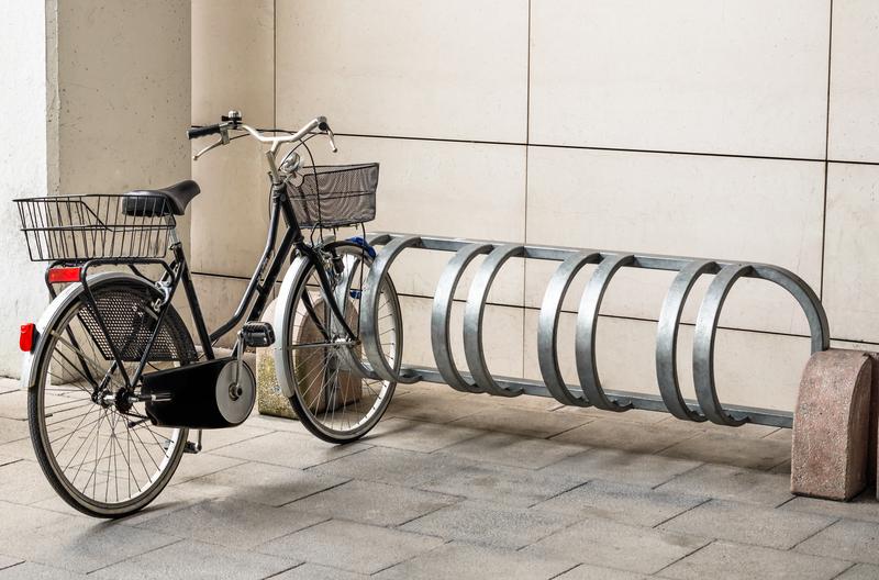 o bicicletário tradicional é facilmente instalado
