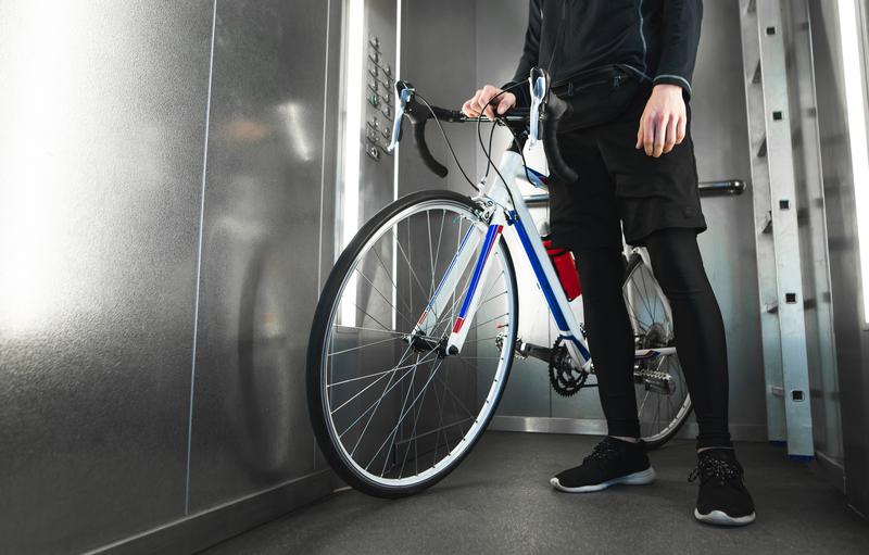 Regras de uso de elevadores para transportar bicicletas